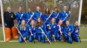 Knooppunt sponsort meiden hockey team Oosterbeek